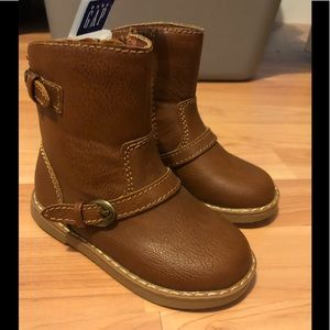 Baby Gap size toddler girl 7 NWT tan boots